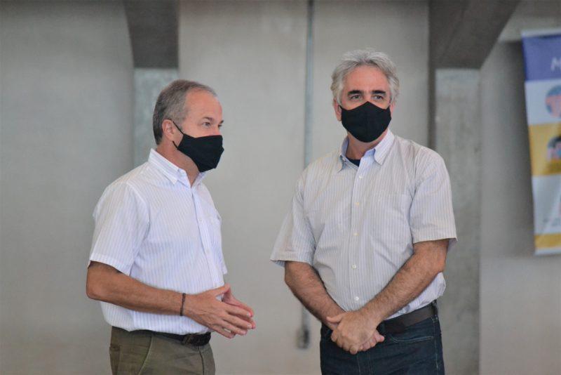 André Luís Vigneron, diretor do Sesi Piracicaba, e Hermes Balbino, secretário da Selam
